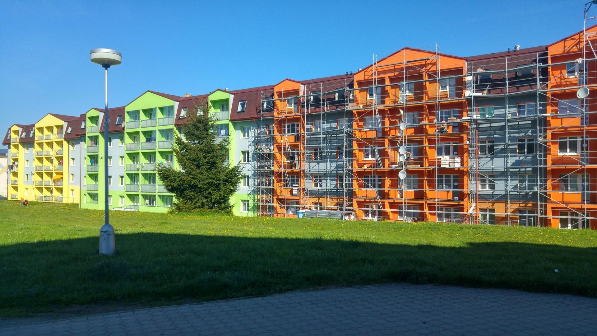 Kompletní revitalizace panelového domu v Jeseníku